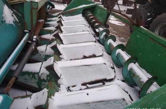 Жатки кукурузні John Deer 843, 892, 830 -  10
